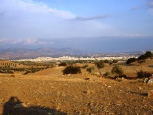 Η υπέροχη θέα της πόλης των Μεγάρων, του κάμπου και του Σαρωνικού απ' τους Κουρμουλούς.